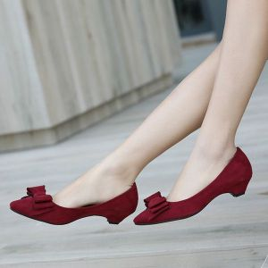 Low heeled women shoes